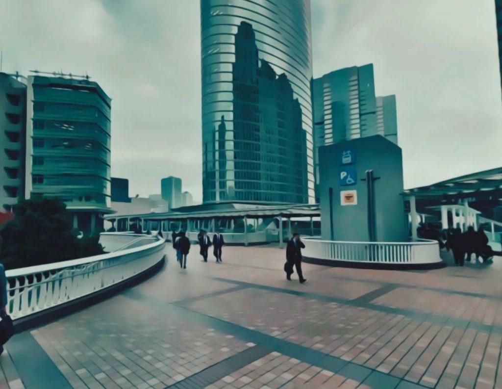 品川駅港南口ペデストリアンデッキ