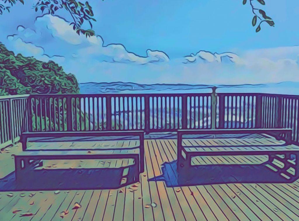 江ノ島展望台広場ウッドデッキ