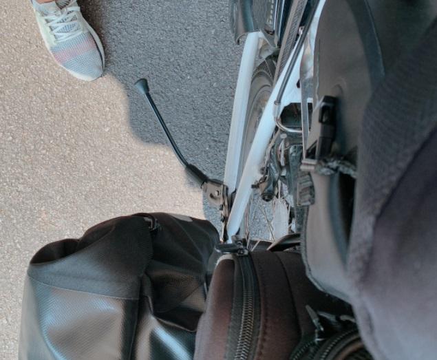自転車のスタンドが折れる
