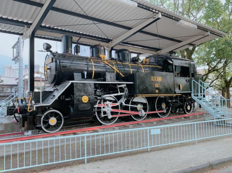 蒸気機関車C12保存展示場