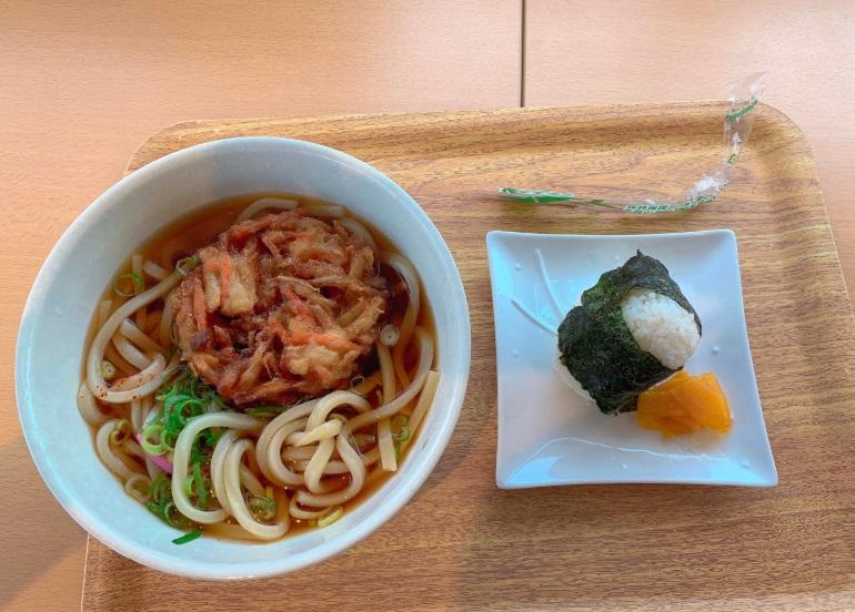 佐賀関港,昼食